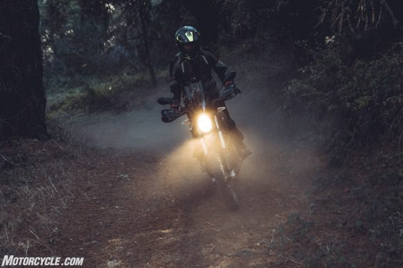 111318-2019-zero-dsr-review-electric-dual-sport-B42I4918-2-3