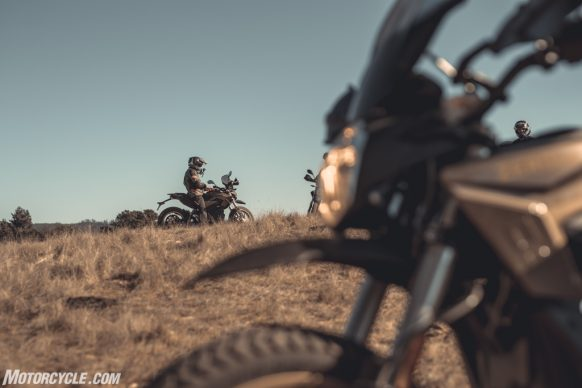 111318-2019-zero-dsr-review-electric-dual-sport-B42I5215-2