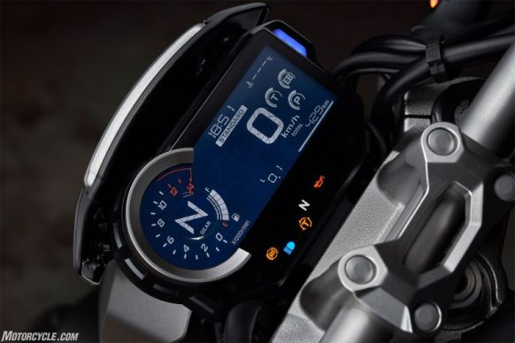 111918-Cafe-Society-Honda-CB1000R-display