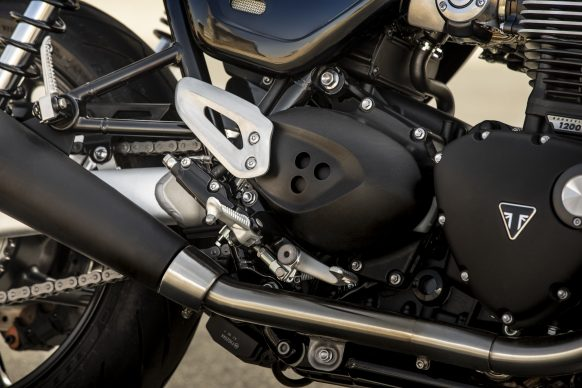 120418-3232-2019-triumph-speed-twin-A0030-HEAL-GUARD-DETAIL26