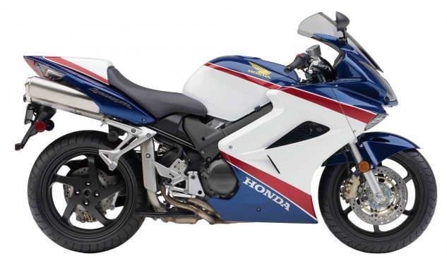 120618-top-10-under-5000-01-2007-honda-vfr800-interceptor