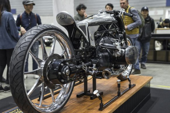 121018-custom-works-zon-departed-bmw-r18-prototype-engine-P90332058