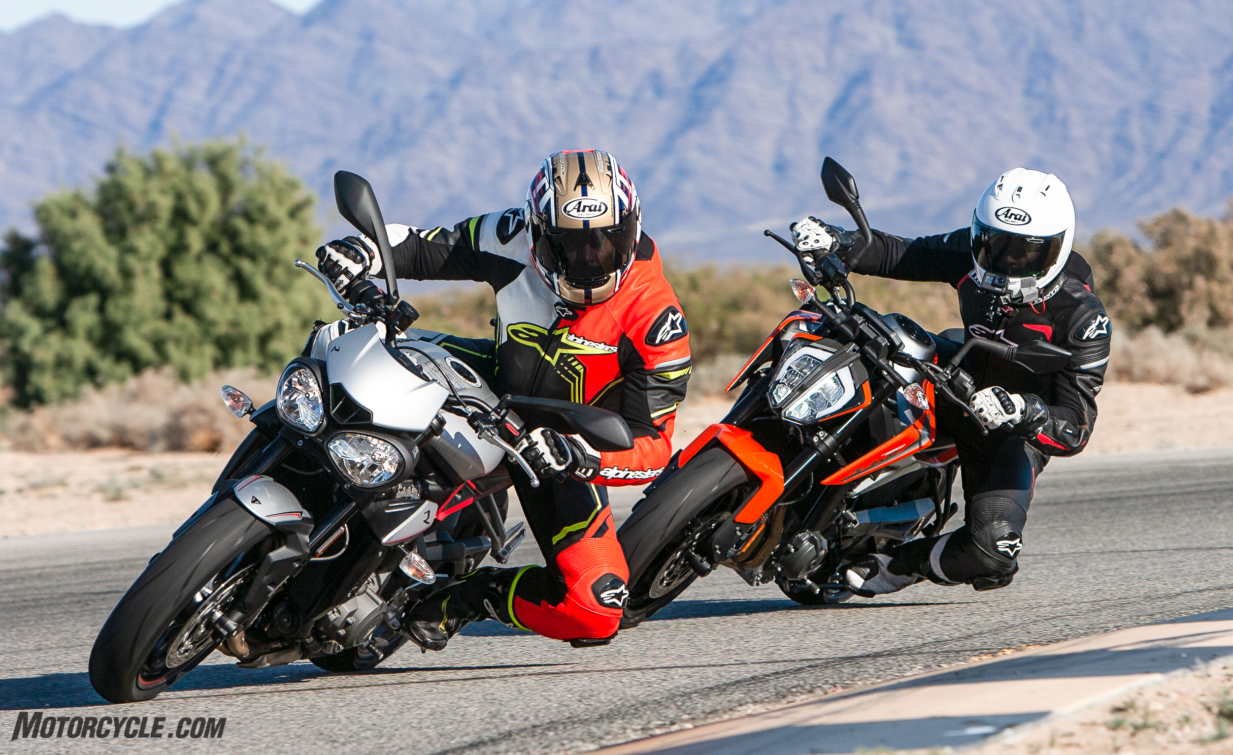 2019 Ktm 790 Duke Vs Triumph Street Triple R A