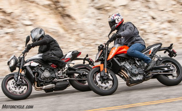 010219-2019-KTM-790-Duke-Triumph-Street-Triple-Group-Action_EBB6291