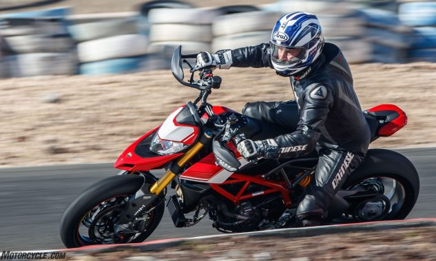 012919-2019-Ducati-Hypermotard-950-Review-0825