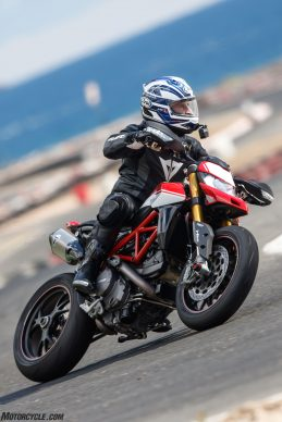 012919-2019-Ducati-Hypermotard-950-Review-1182