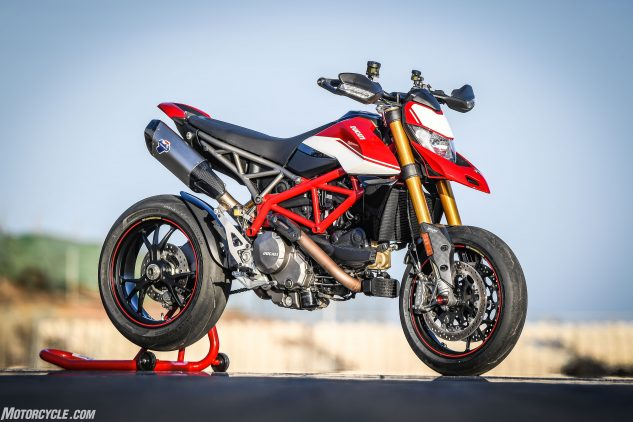012919 2019 Ducati Hypermotard 950 Review Sp Static 10