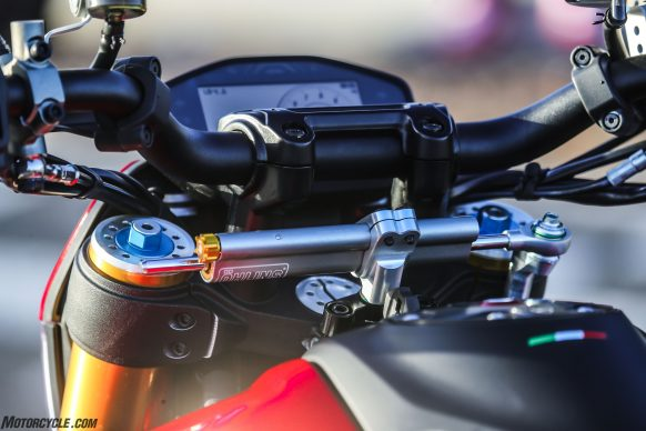 012919-2019-Ducati-Hypermotard-950-Review-SP_Static 34