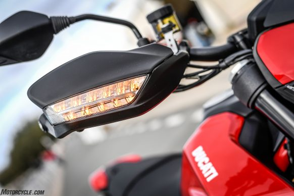 012919-2019-Ducati-Hypermotard-950-Review-Static 28