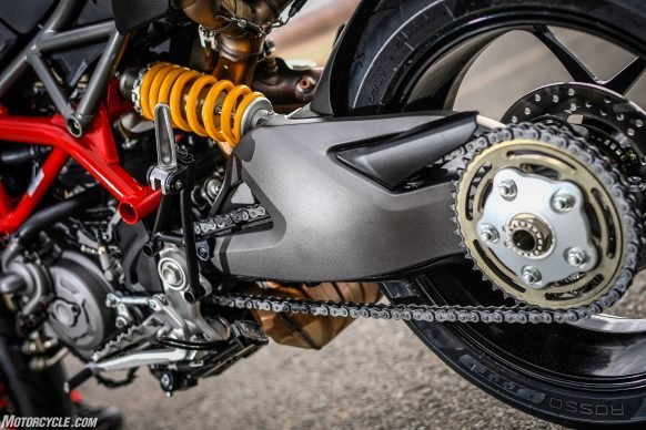 012919-2019-Ducati-Hypermotard-950-Review-Static 35