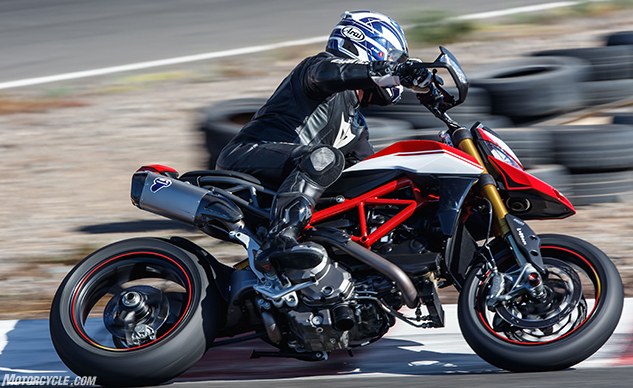 012919-2019-Ducati-Hypermotard-950-Review-f