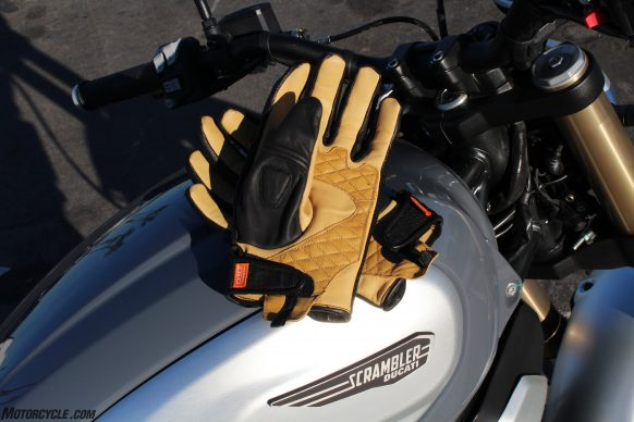 020119-Icon-1000-Axys-Gloves-Up-6953