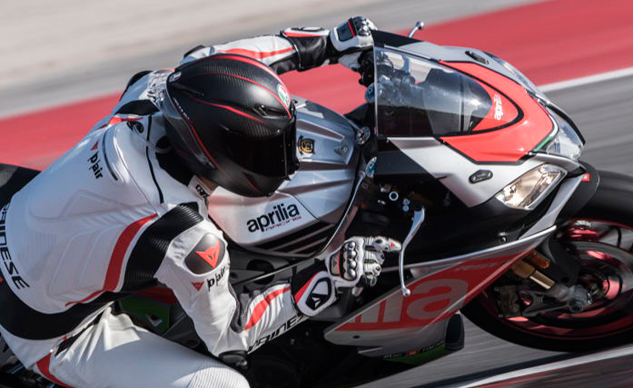 021519-best-motorcycle-racing-gloves-dainese-f