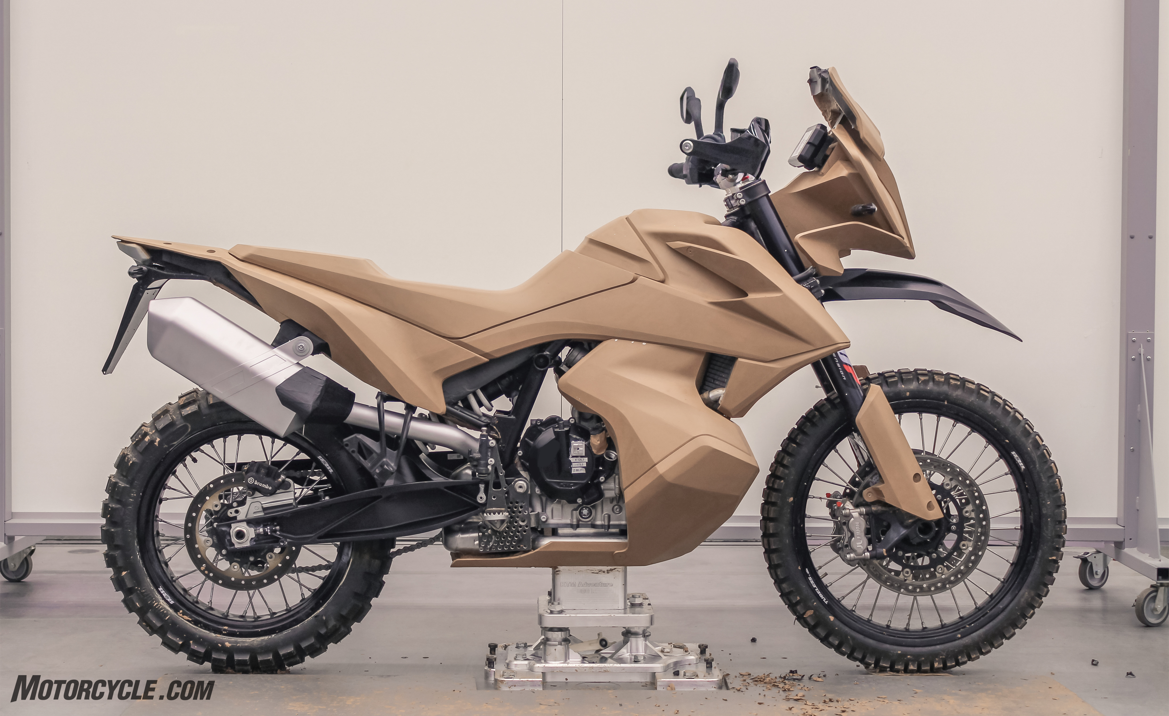 2019 ktm 790 adventure r first ride review. Black Bedroom Furniture Sets. Home Design Ideas