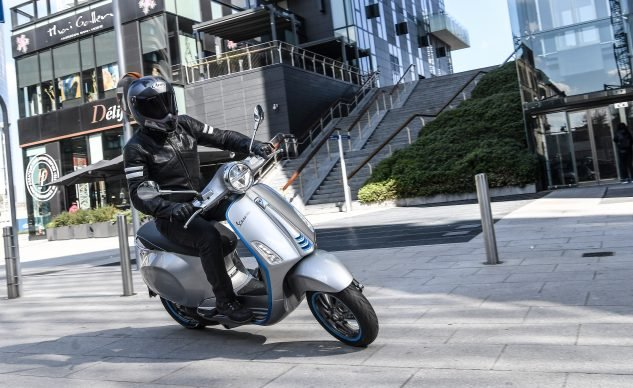 2019 Vespa Elettrica Review First Ride
