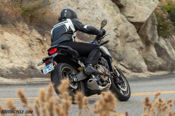 05312019-2019-Honda-CB650R-Review-Action-1628