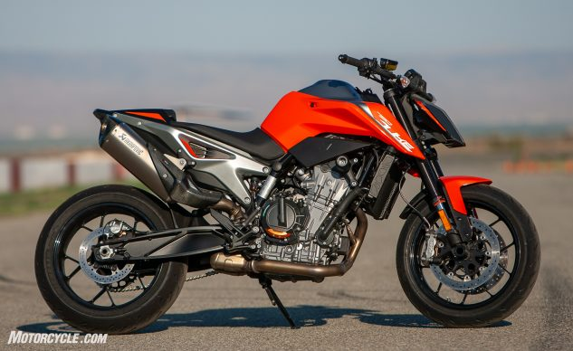 2019 KTM 790 Duke beauty shot