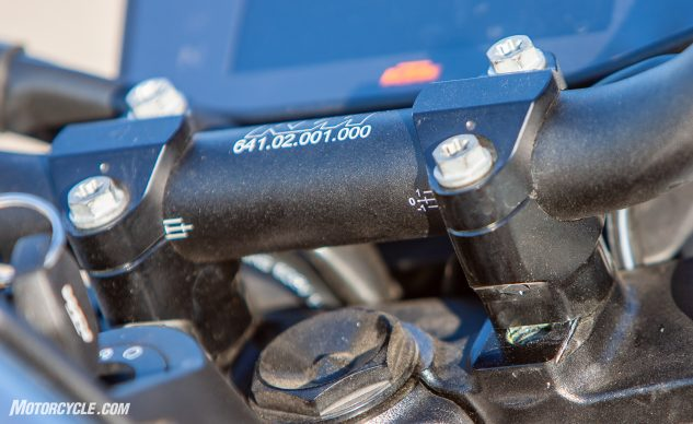 2019 KTM 790 Duke handlebar clamp