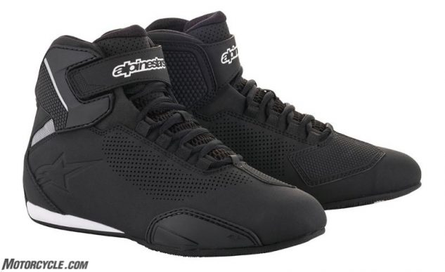 061019-best-vented-motorcycle-riding-boots-alpinestars_sektor