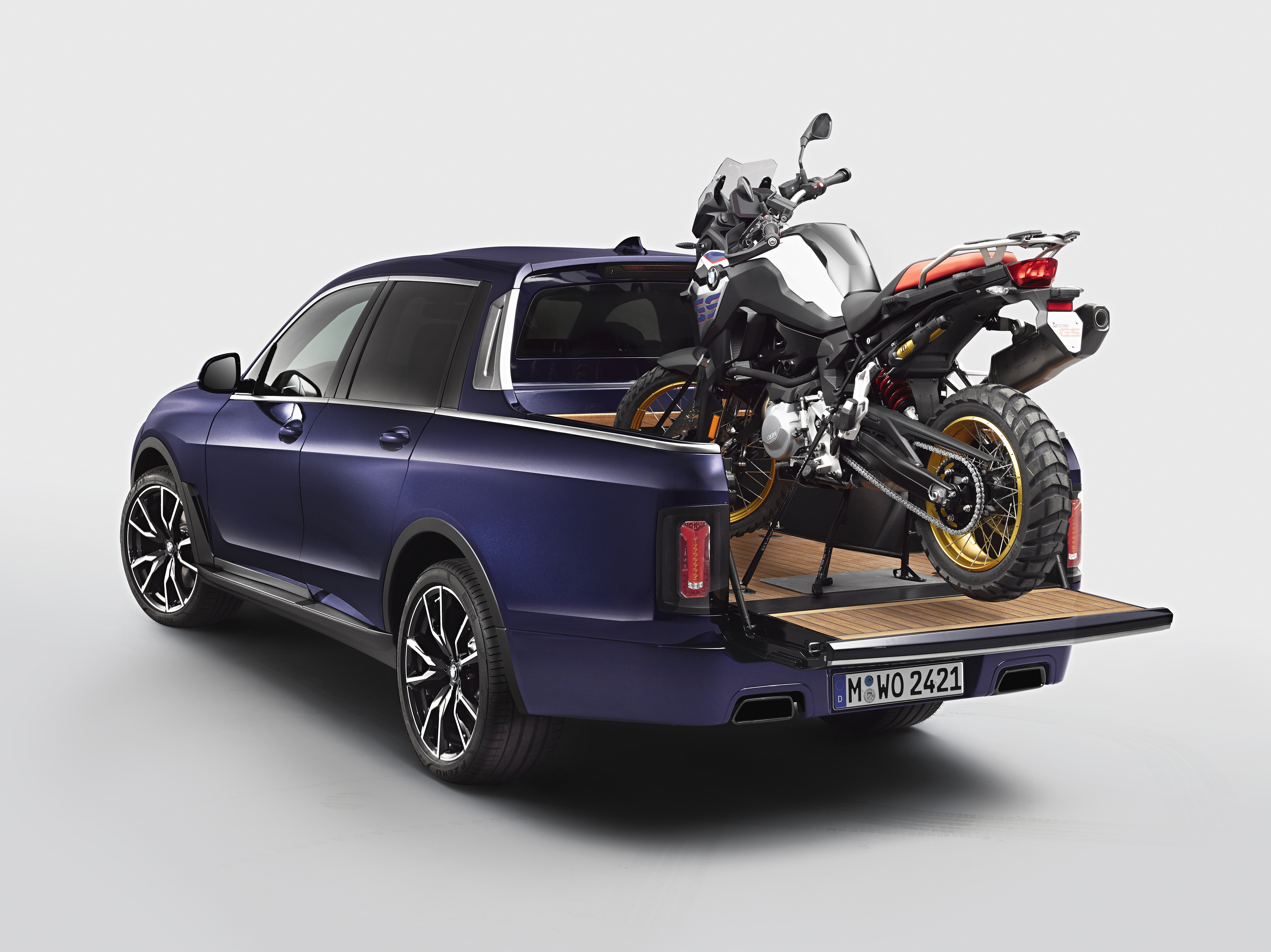 Bmw S X7 Pickup Truck Concept Is The Motorcycle Carrier Nobody Asked For