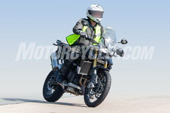080619-Triumph-Tiger-1000-Spy-Shots-Triumph-Tiger-1000-002