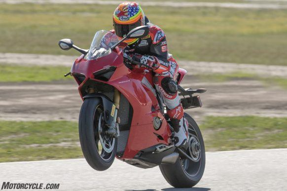 Pirelli-Diablo-Supercorsa-TD-Track-Day-tire-racing-1-2