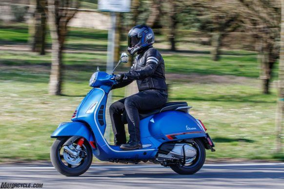 090419-mobo-scooter-2019-vespa-gts-300-hpe