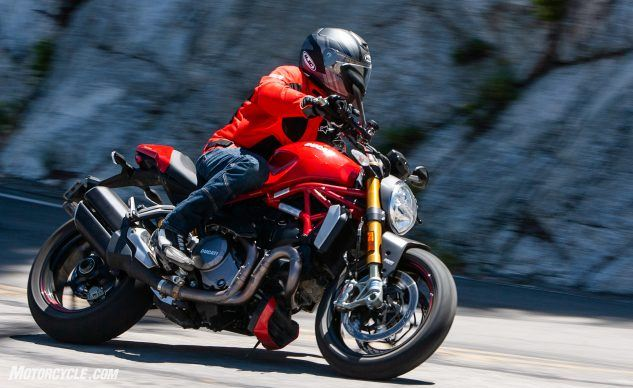090619-Streettracker-Monster-Shootout-Ducati-Monster-1200S-EBB0291