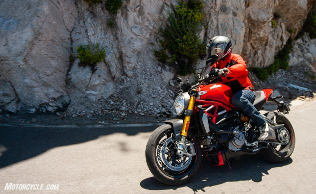 090619-Streettracker-Monster-Shootout-Ducati-Monster-1200S-EBB0369