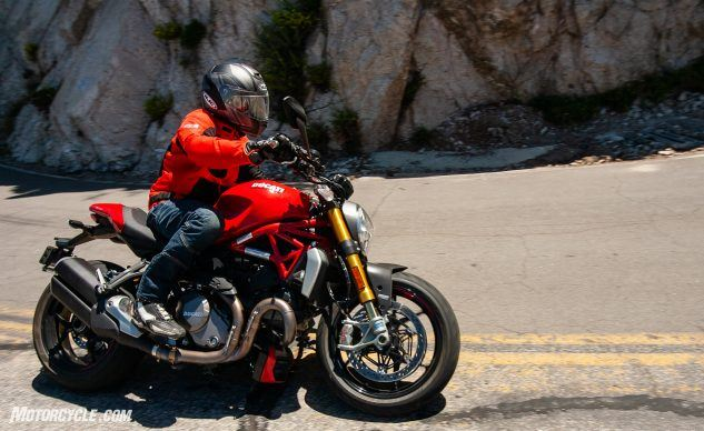 090619-Streettracker-Monster-Shootout-Ducati-Monster-1200S-EBB0375