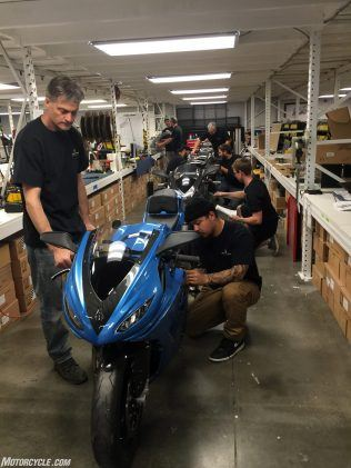 """https://www.motorcycle.com/ """"width ="""" 316 """"height ="""" 421 """"srcset ="""" https://www.motorcycle.com/blog/wp-content/uploads/2019/10/100319-lightning- electric-motorcycles-IMG_0024-316x421.jpg 316w, https://www.motorcycle.com/blog/wp-content/uploads/2019/10/100319-lightning-electric-motorcycles-IMG_0024-236x315.jpg 236w, https: //www.motorcycle.com/blog/wp-content/uploads/2019/10/100319-lightning-electric-motorcycles-IMG_0024-768x1024.jpg 768w, https://www.motorcycle.com/blog/wp-content /uploads/2019/10/100319-lightning-electric-motorcycles-IMG_0024-475x633.jpg 475w, https://www.motorcycle.com/blog/wp-content/uploads/2019/10/100319-lightning-electric- motorcycles-IMG_0024-35x46.jpg 35w, https://www.motorcycle.com/blog/wp-content/uploads/2019/10/100319-lightning-electric-motorcycles-IMG_0024-68x90.jpg 68w, https: // www.motorcycle.com/blog/wp-content/uploads/2019/10/100319-lightning-electric-motorcycles-IMG_0024-70x93.jpg 70w, https://www.motorcycle.com/blog/wp-content/uploads / 2019/10/100319-lightning-el ectric-motocyclettes-IMG_0024-140x186.jpg 140w, https://www.motorcycle.com/blog/wp-content/uploads/2019/10/100319-lightning-electric-motorcycles-IMG_0024-96x128.jpg 96w, https: //www.motorcycle.com/blog/wp-content/uploads/2019/10/100319-lightning-electric-motorcycles-IMG_0024-103x137.jpg 103w, https://www.motorcycle.com/blog/wp-content /uploads/2019/10/100319-lightning-electric-motorcycles-IMG_0024-124x165.jpg 124w, https://www.motorcycle.com/blog/wp-content/uploads/2019/10/100319-lightning-electric- motorcycles-IMG_0024-188x250.jpg 188w, https://www.motorcycle.com/blog/wp-content/uploads/2019/10/100319-lightning-electric-motorcycles-IMG_0024-291x388.jpg 291w """"tailles ="""" ( max-width: 316px) 100vw, 316px """"/>  <p class="""