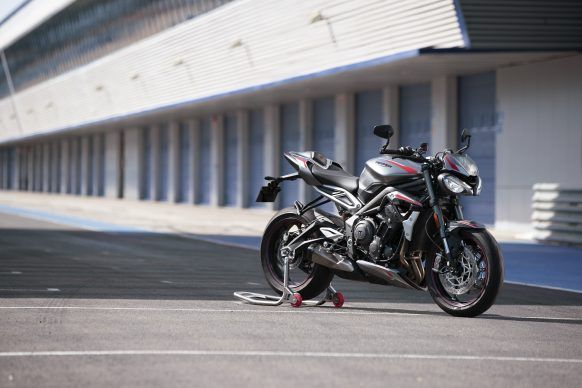 100619-2020-Triumph-Street-Triple-RS-Static-Location-5