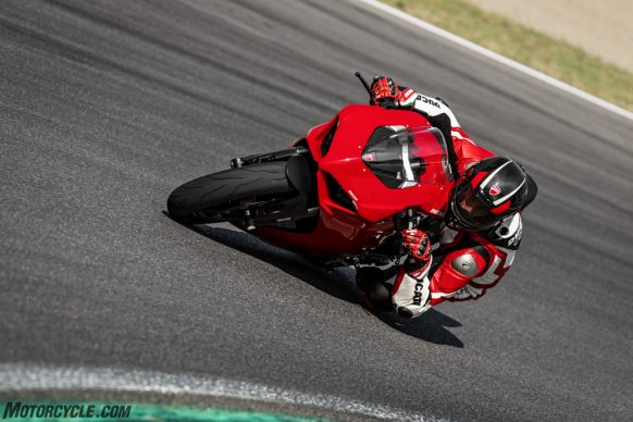 DUCATI_PANIGALE V2_AMBIENCE_15_UC101503_High