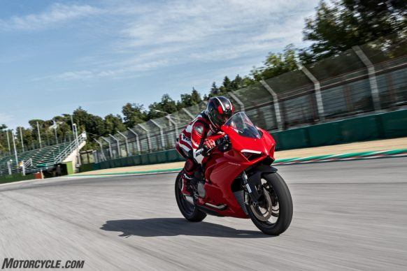 DUCATI_PANIGALE V2_AMBIENCE_41_UC101481_High