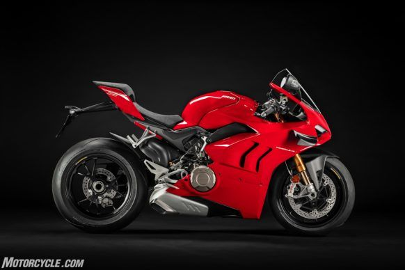 MY20_DUCATI_PANIGALE V4_02_UC101537_High-2