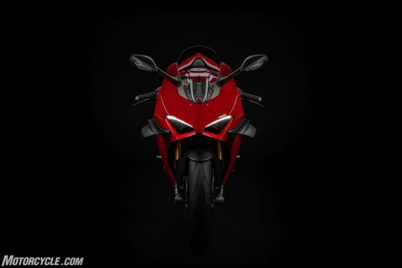 MY20_DUCATI_PANIGALE V4_09_UC101543_High-2