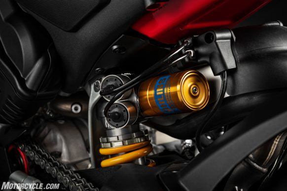 MY20_DUCATI_PANIGALE V4_33_UC101532_High-2