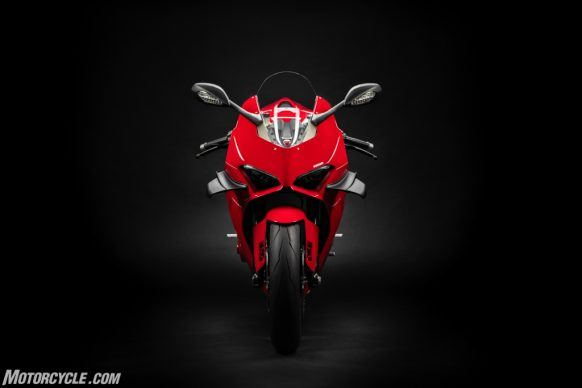 MY20_DUCATI_PANIGALE V4_35_UC101529_High-2