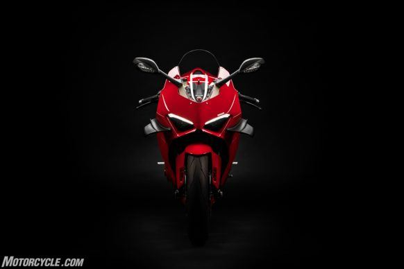 MY20_DUCATI_PANIGALE V4_36_UC101531_High-2