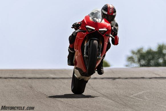 MY20_DUCATI_PANIGALE V4_39_UC101571_High