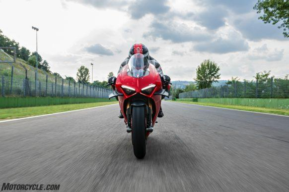MY20_DUCATI_PANIGALE V4_41_UC101573_High