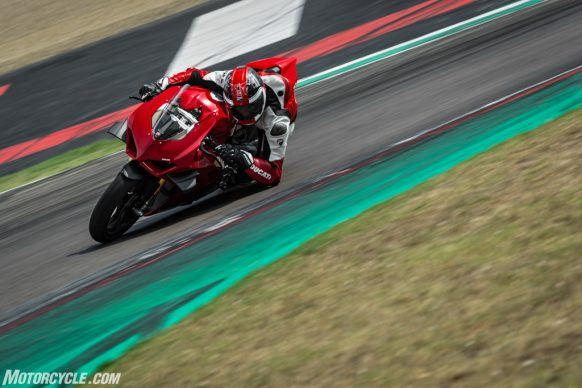 MY20_DUCATI_PANIGALE V4_43_UC101568_High-2