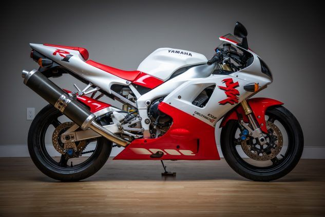 """https://www.motorcycle.com/ """"width ="""" 633 """"height ="""" 422 """"srcset ="""" https://www.motorcycle.com/blog/wp-content/uploads/2019/10/Yamaha-R1- Right-Side-633x422.jpg 633w, https://www.motorcycle.com/blog/wp-content/uploads/2019/10/Yamaha-R1-Right-Side-315x210.jpg 315w, https: // www. motorcycle.com/blog/wp-content/uploads/2019/10/Yamaha-R1-Right-Side-768x512.jpg 768w, https://www.motorcycle.com/blog/wp-content/uploads/2019/10 /Yamaha-R1-Right-Side-69x46.jpg 69w, https://www.motorcycle.com/blog/wp-content/uploads/2019/10/Yamaha-R1-Right-Side-120x80.jpg 120w, https : //www.motorcycle.com/blog/wp-content/uploads/2019/10/Yamaha-R1-Right-Side-140x93.jpg 140w, https://www.motorcycle.com/blog/wp-content/ uploads / 2019/10 / Yamaha-R1-Côté-droit-186x124.jpg 186w, https://www.motorcycle.com/blog/wp-content/uploads/2019/10/Yamaha-R1-Right-Side-192x128 .jpg 192w, https://www.motorcycle.com/blog/wp-content/uploads/2019/10/Yamaha-R1-Right-Side-206x137.jpg 206w, https://www.motorcycle.com/blog / wp-content / uploads / 2019/10 / Ya maha-R1-Right-Side-248x165.jpg 248w, https://www.motorcycle.com/blog/wp-content/uploads/2019/10/Yamaha-R1-Right-Side-375x250.jpg 375w, https: //www.motorcycle.com/blog/wp-content/uploads/2019/10/Yamaha-R1-Right-Side-582x388.jpg 582w, https://www.motorcycle.com/blog/wp-content/uploads /2019/10/Yamaha-R1-Right-Side-632x421.jpg 632w, https://www.motorcycle.com/blog/wp-content/uploads/2019/10/Yamaha-R1-Right-Side.jpg 1500w """"tailles ="""" (largeur maximale: 633px) 100vw, 633px """"/>  <p class="""