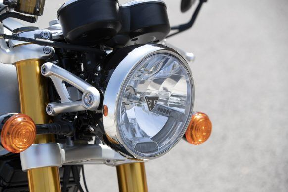 110419-2020-Triumph-Thurxton-RS-Thruxton-RS-Headlight