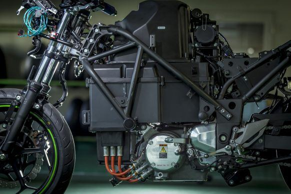 111219-kawasaki-ev-project-electric-8700-90