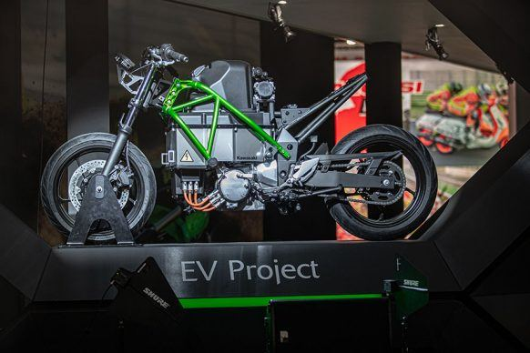 111219-kawasaki-ev-project-electric-hi_MAN_8057_001