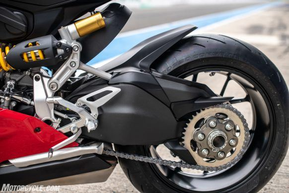 111819-2020-Ducati-Panigale-V2-review-57-2