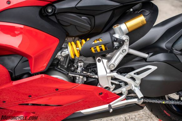 111819-2020-Ducati-Panigale-V2-review-67