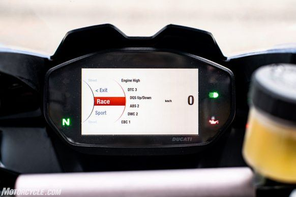 111819-2020-Ducati-Panigale-V2-review-76-2