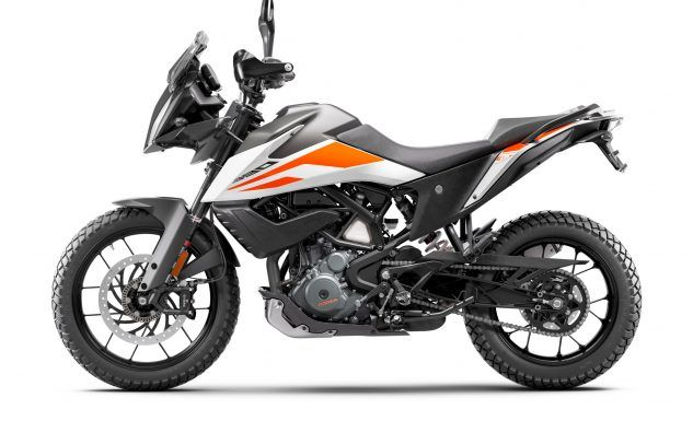 https://www.motorcycle.com/blog/wp-content/uploads/2019/11/KTM-390-ADVENTURE-MY20-White-left-633x396.jpg